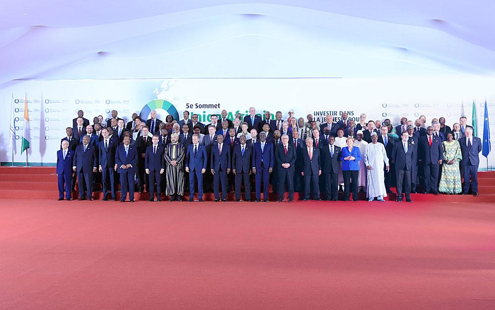 Viides Afrikan unionin ja EU:n huippukokous järjestettiin Abidjanissa Norsunluurannikolla marraskuussa 2017. EU–Afrikka-huipputapaamisia järjestetään periaatteessa joka kolmas vuosi ja ministerikokouksia säännöllisesti useammin. Kuva: African Union Commission
