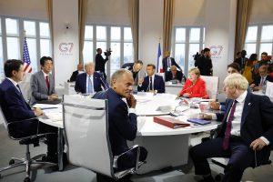 G7-maiden johtajat kokoontuivat Ranskan Biarritziin elokuun lopulla keskustelemaan mm. Iranin tilanteesta, Amazonin metsäpaloista ja kansainvälisestä taloudesta. Ison-Britannian pääministeri Boris Johnson osallistui kokoukseen ensimmäistä kertaa. Kuva: Euroopan unioni