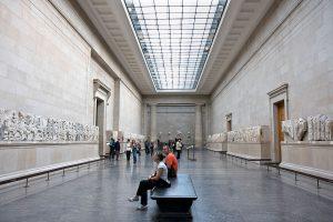 Niin sanotut Lord Elginin marmorit British Museumissa ovat erinomainen esimerkki pitkästä ja vaikeasta kulttuuriomaisuuden palauttamiseen liittyvästä keskustelusta. Kuva: Jon Bower London/Alamy Stock Photo
