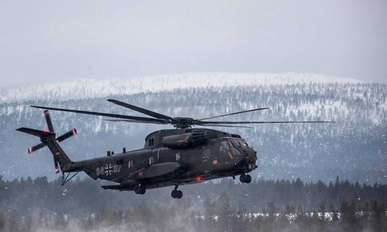 Luftwaffen CH-53-helikopteri European Defence Agencyn järjestämässä Cold Blade 2016 -harjoituksessa Suomen Lapissa. Kuva: Puolustusvoimat