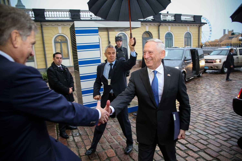 Presidentti Niinistö tapasi Yhdysvaltain puolustusministeri James Mattisin 6. marraskuuta 2017. Kuva: Tasavallan presidentin kanslia / Matti Porre.