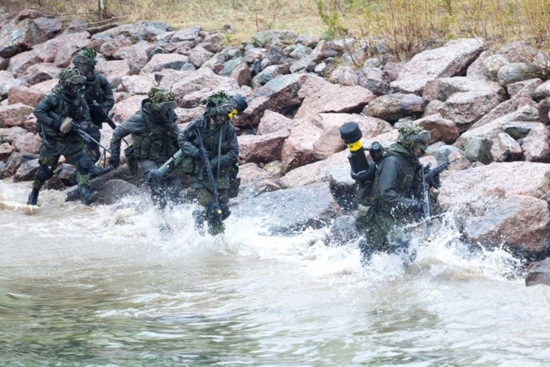 Rannikkojoukkoja toimintaympäristössään. Kuva: Puolustusvoimat