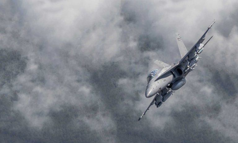 Ilmavoimien Hornet-hävittäjien korvaaminen on Puolustusvoimien strateginen hanke. Uusien monitoimihävittäjien hankinnan on suunniteltu alkavan vuonna 2021. Kuva: Puolustusvoimat