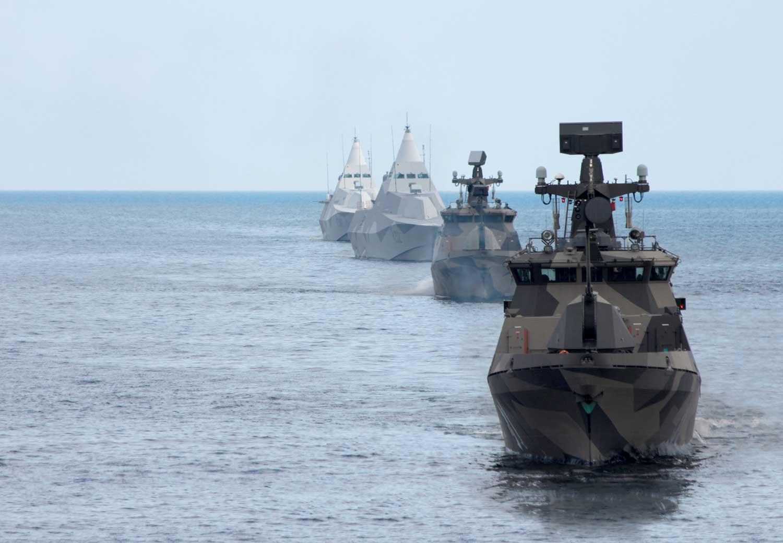 Puolustusvoimille annettiin uusi tehtävä kesällä 2017: osallistuminen kansainvälisen avun antamiseen ja vastaanottamiseen. Tehtävä mahdollistaa esimerkiksi sotilaallisen avun antamisen toisen maan pyynnöstä sen alueella tapahtuvaan sukellusveneentorjuntaoperaatioon. Kuva: Puolustusvoimat