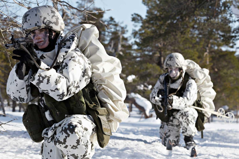 Suomen puolustaminen poikkeusoloissa perustuu asevelvollisuuden kautta tuotettuun reserviin. Kuva: Puolustusvoimat
