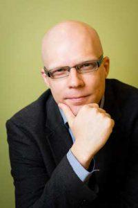 Kirjoittaja Sasu Tarkoma.