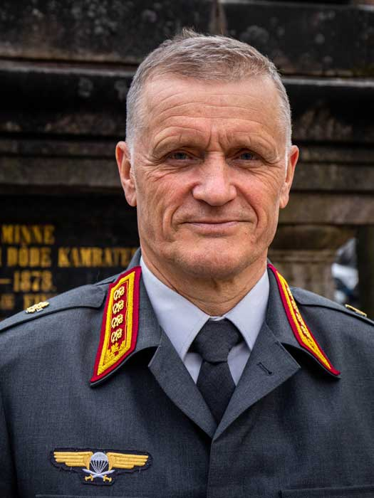 Haastateltavana Puolustusvoimain komentaja, kenraali Timo Kivinen.