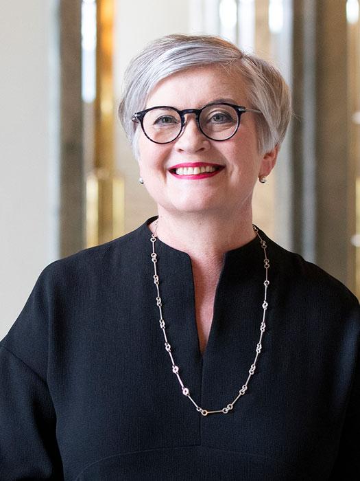 Haastateltavana eduskunnan puhemies Anu VehviläinenKuva: Hanne Salonen / eduskunta.